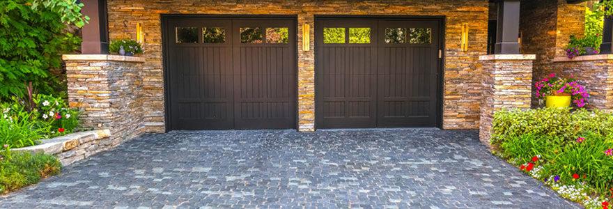 Choisir la porte de garage adaptée à ses besoins