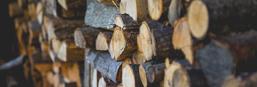 Ranger le bois à l'extérieur